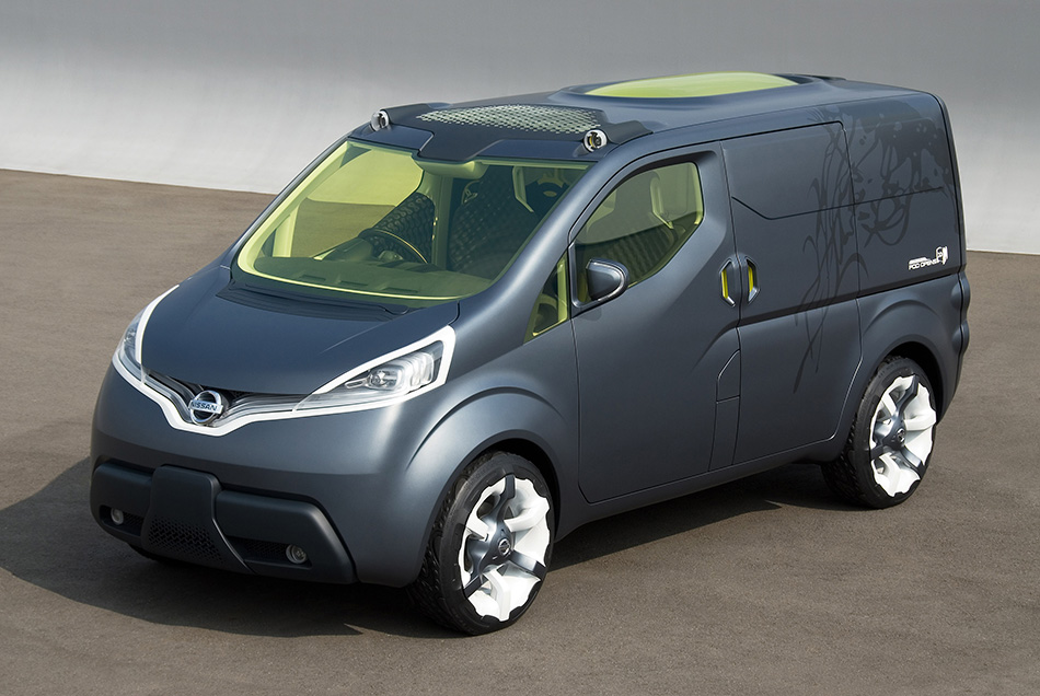 2007 Nissan NV200 Concept Front Angle