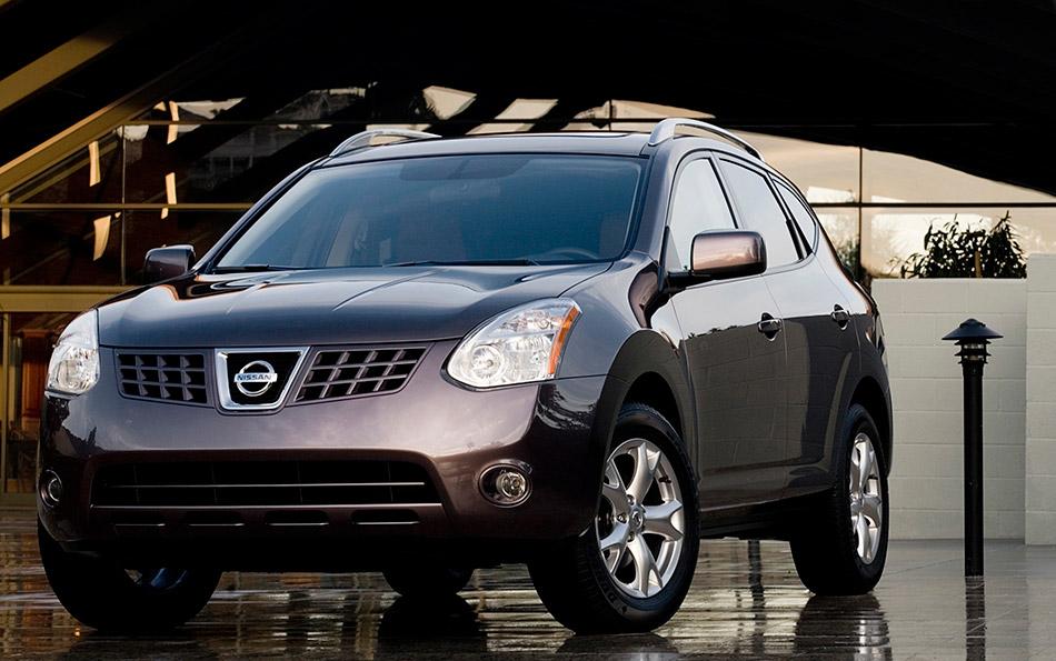 2010 Nissan Rogue Front Angle