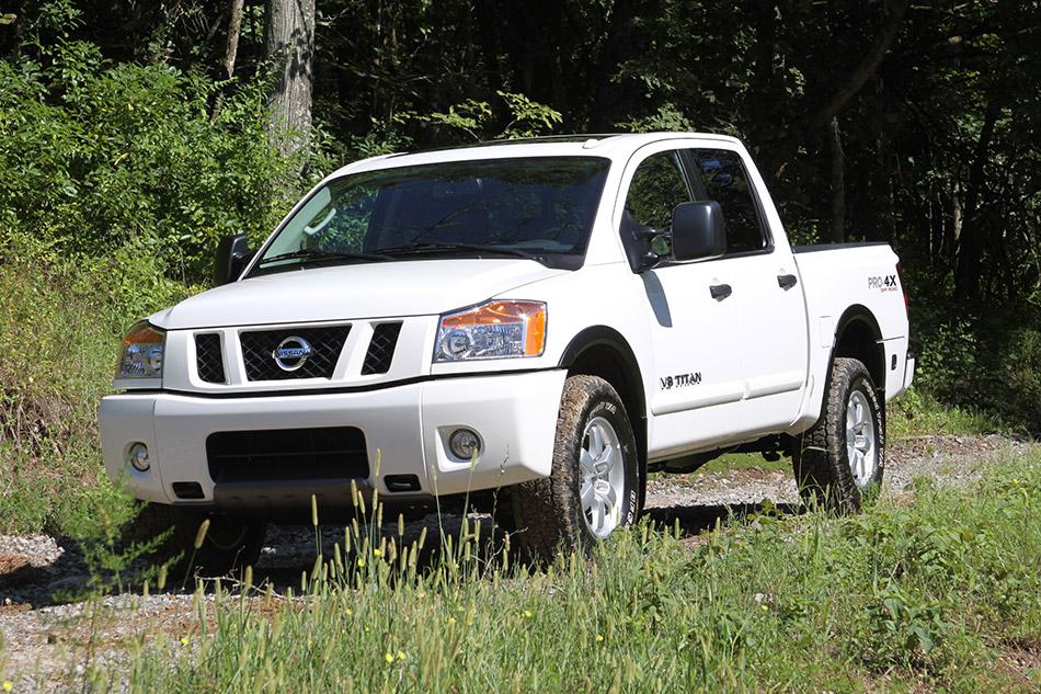 2011 Nissan Titan Front Angle