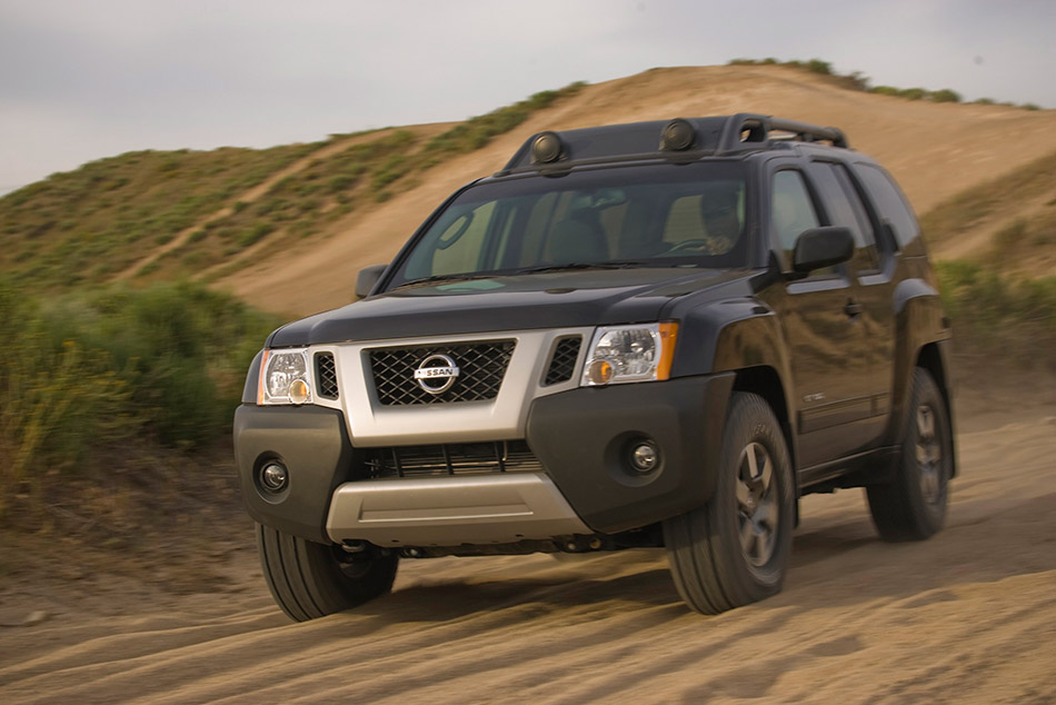 2011 Nissan Xterra Front Angle
