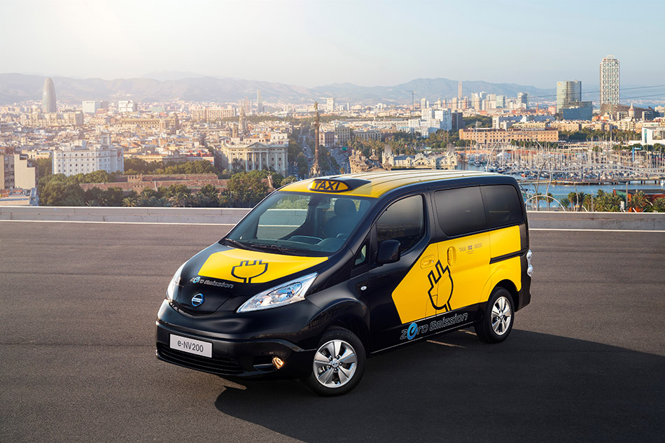 2014 Nissan e-NV200 Electric Barcelona Taxi Front Angle