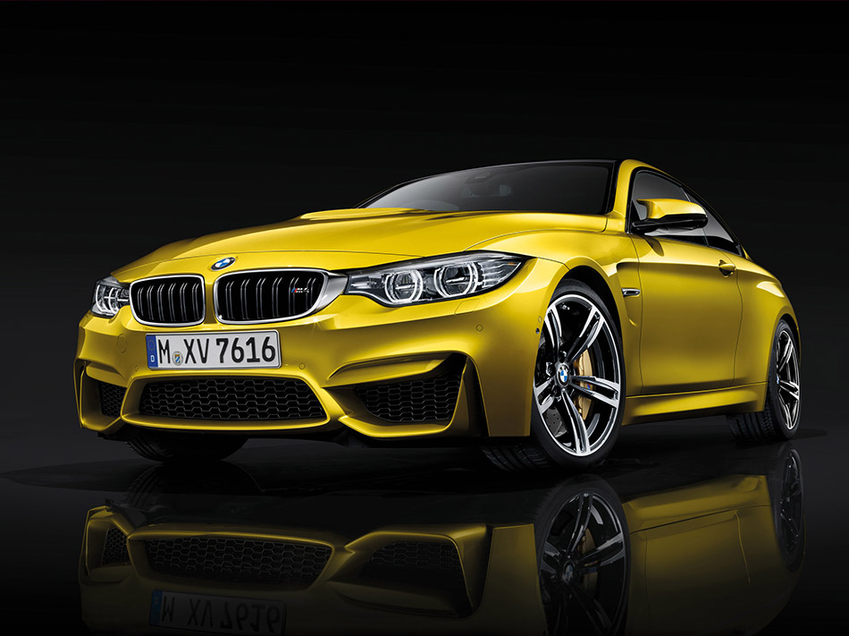 2015 BMW M4 Coupe Front Angle