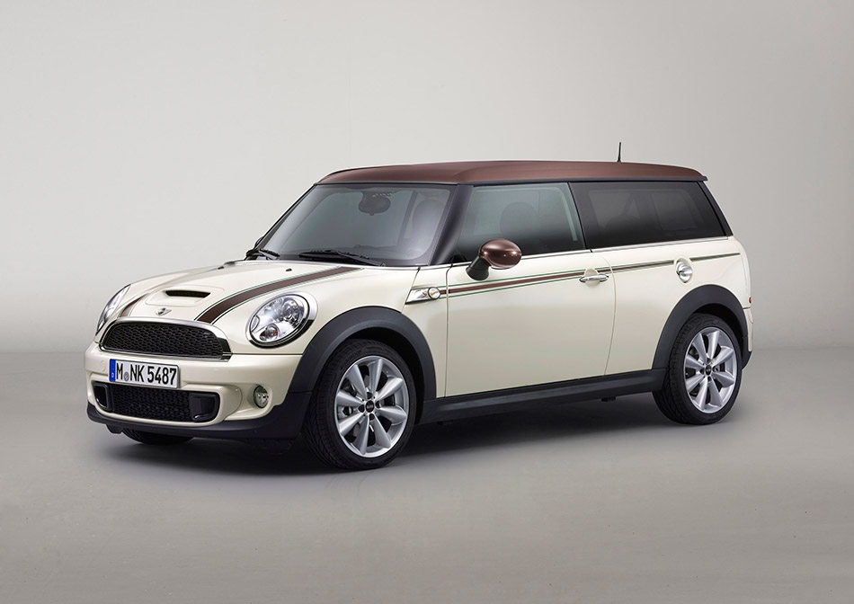 2012 MINI Clubman Hyde Park Front Angle