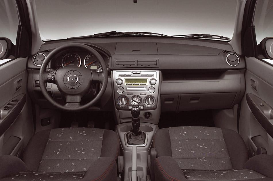 2003 Mazda 2 Interior