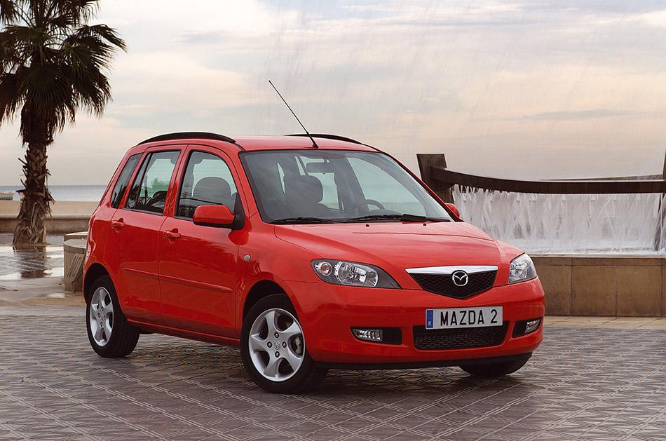 2003 Mazda 2 Front Angle
