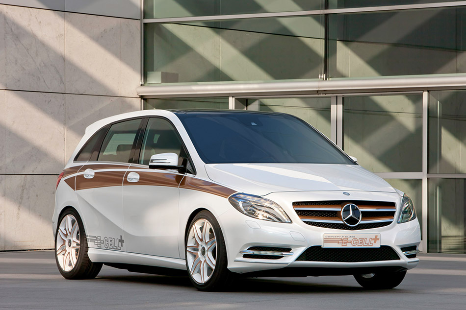 2011 Mercedes-Benz B-Class E-CELL Plus Concept Front Angle