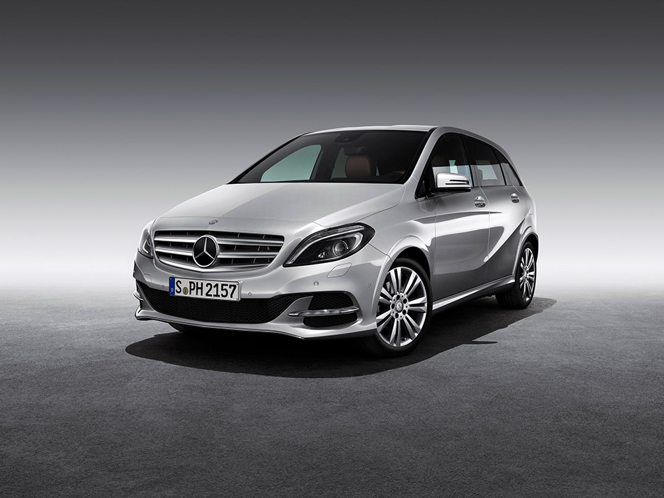 2013 Mercedes-Benz B200 Natural Gas Drive Front Angle