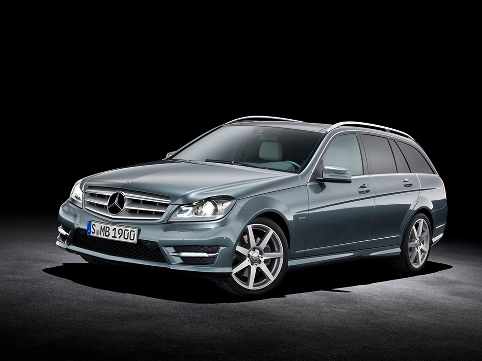 2012 Mercedes-Benz C-Class Estate Front Angle