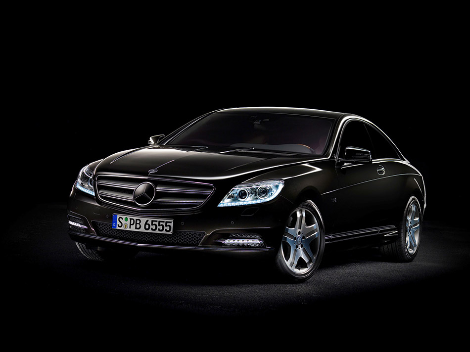 2011 Mercedes-Benz CL-Class Front Angle