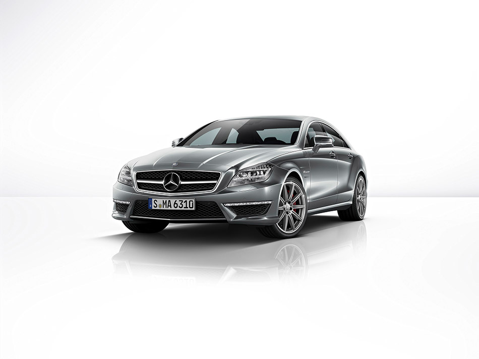 2014 Mercedes-Benz CLS63 AMG S-Model Front Angle