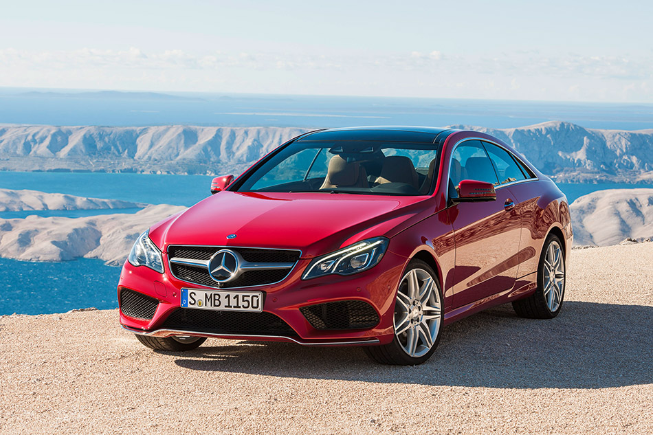 2014 Mercedes-Benz E-Class Coupe Front Angle