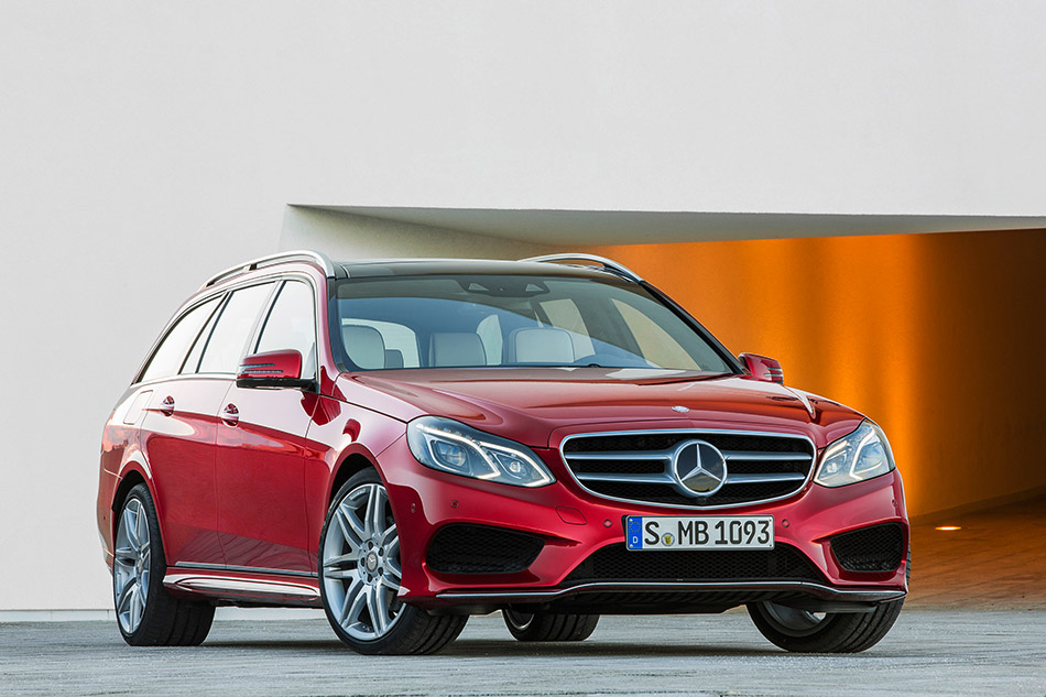 2014 Mercedes-Benz E-Class Estate Front Angle