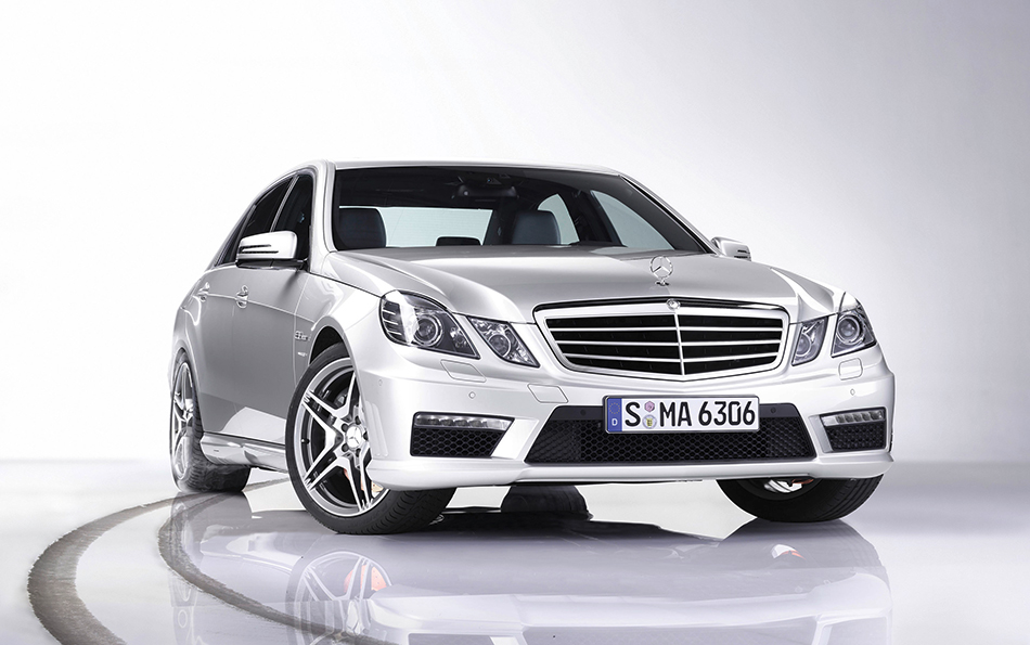 2010 Mercedes-Benz E63 AMG Front Angle
