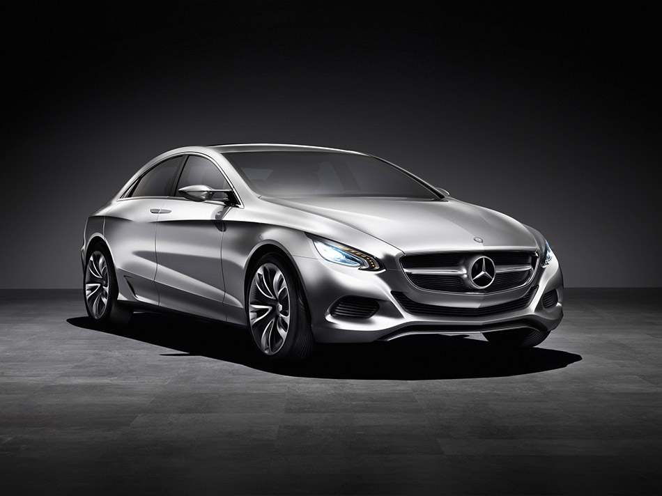 2010 Mercedes-Benz F800 Style Concept Front Angle