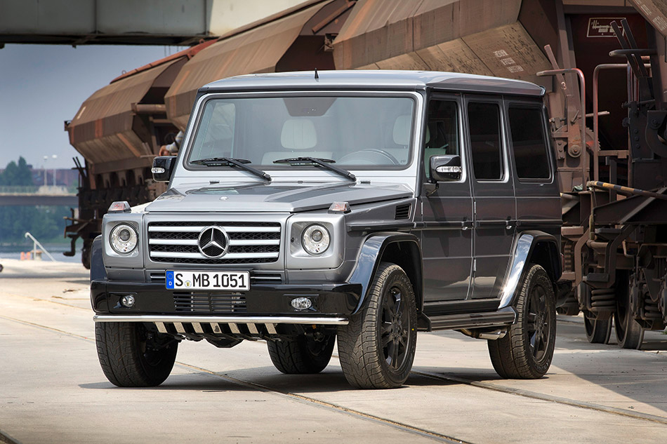 2011 Mercedes-Benz G-Class Edition Select Front Angle