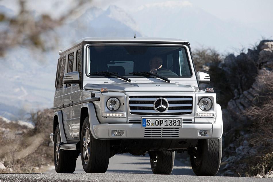 2013 Mercedes-Benz G350 BlueTEC Front Angle