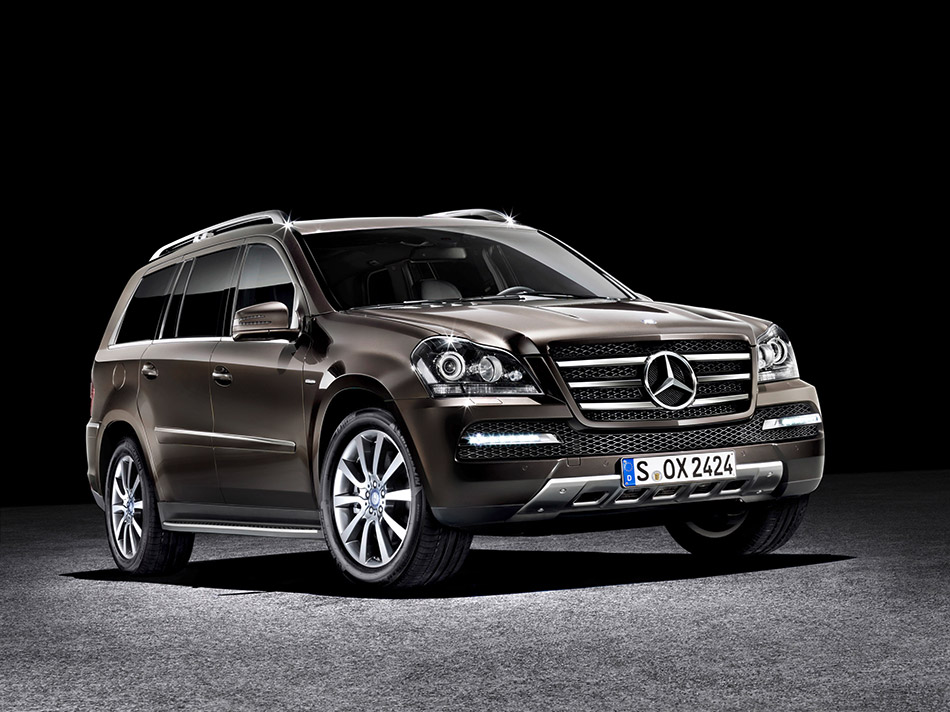 2011 Mercedes-Benz GL-Class Grand Edition Front Angle