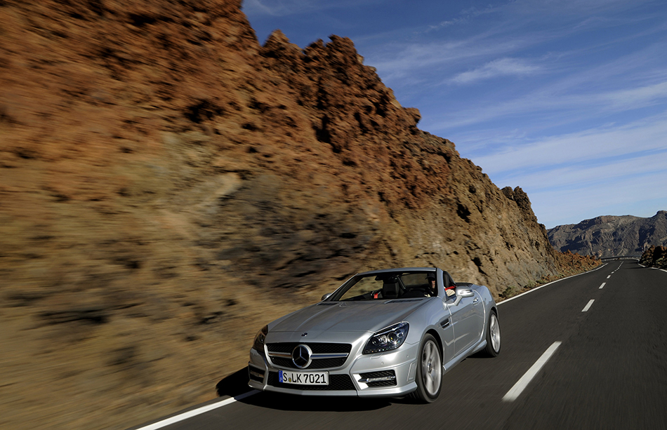 2012 Mercedes-Benz SLK250 CDI Front Angle