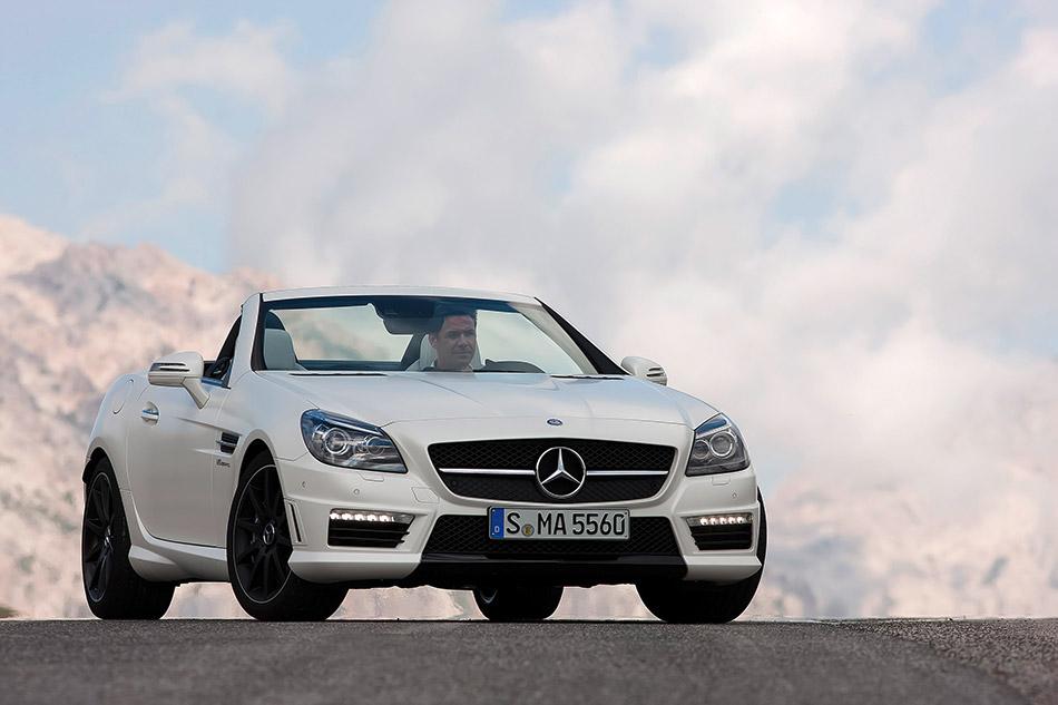 2012 Mercedes-Benz SLK55 AMG Front Angle