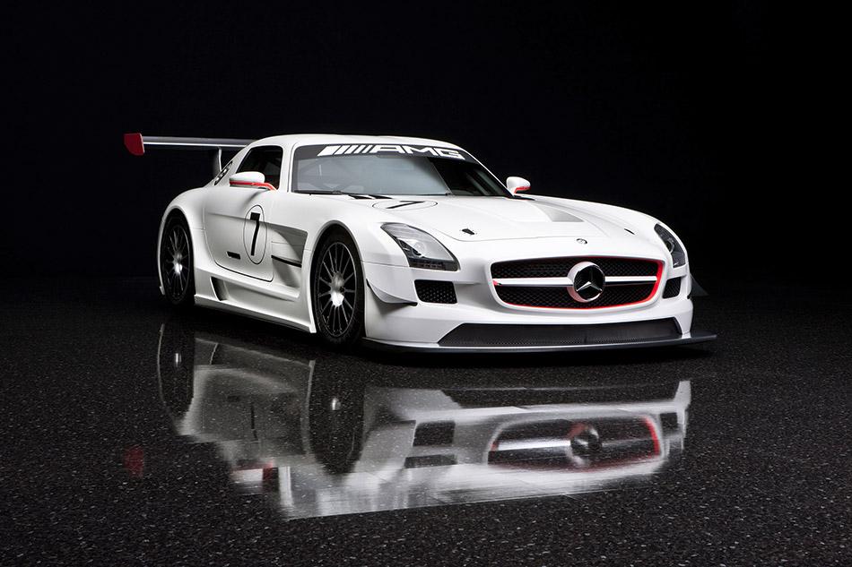 2011 Mercedes-Benz SLS AMG GT3 Front Angle