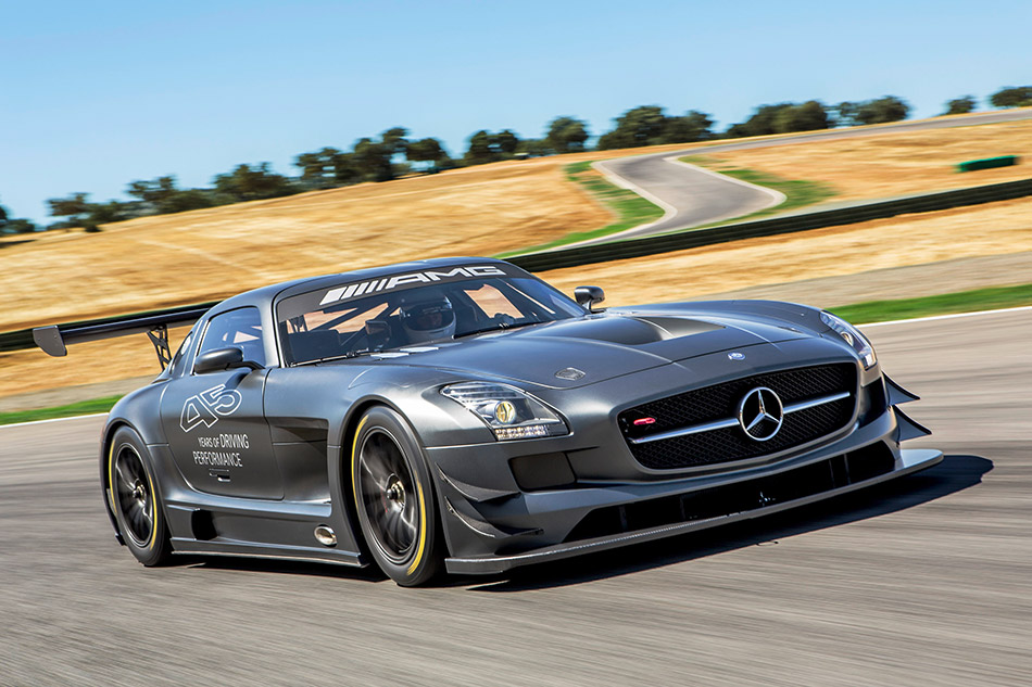 2013 Mercedes-Benz SLS AMG GT3 45th Anniversary Front Angle