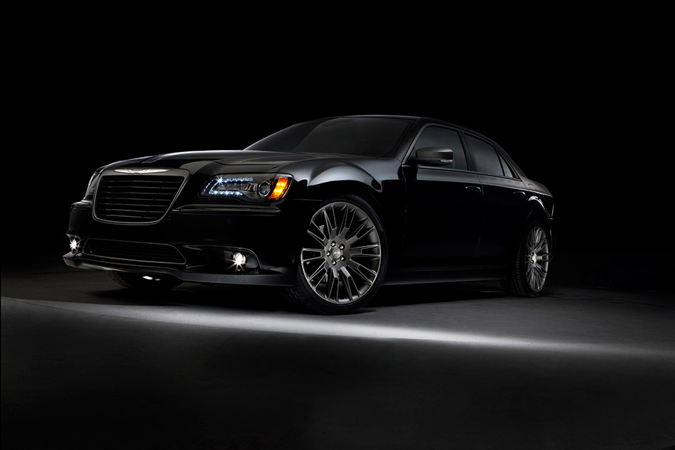2014 Chrysler 300C John Varvatos Limited Edition Front Angle