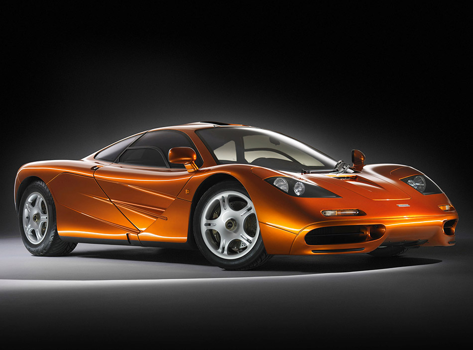 1993 McLaren F1 Front Angle