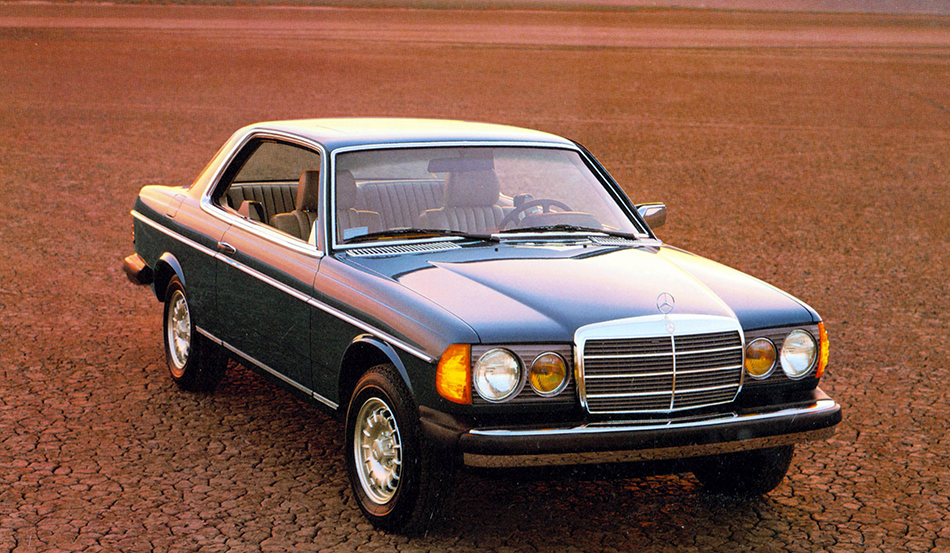 1975 Mercedes-Benz 123 series Front Angle