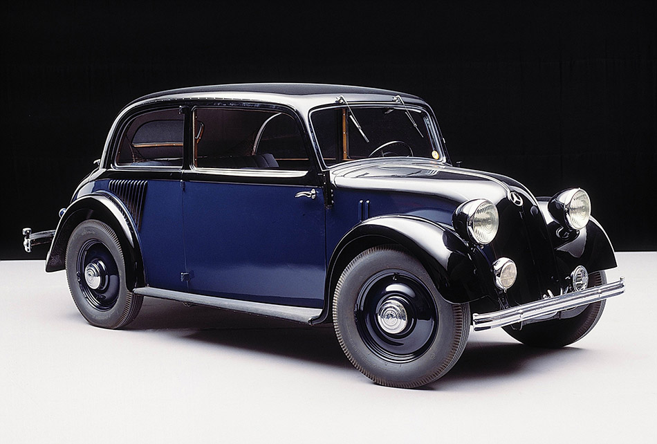 1934 Mercedes-Benz 130 Front Angle