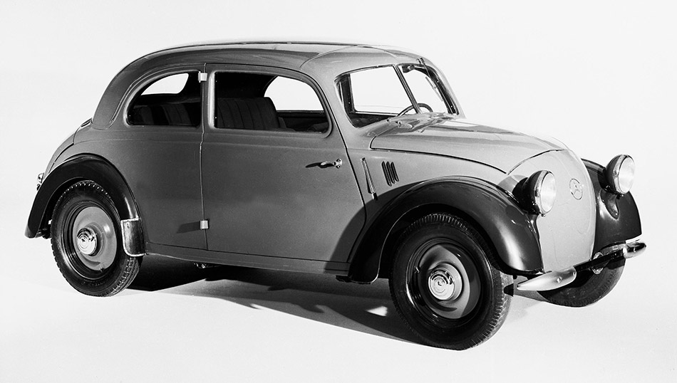 1936 Mercedes-Benz 170H Front Angle