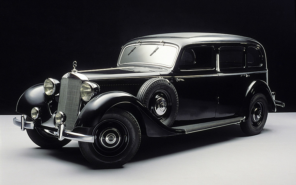 1936 Mercedes-Benz 260D Front Angle