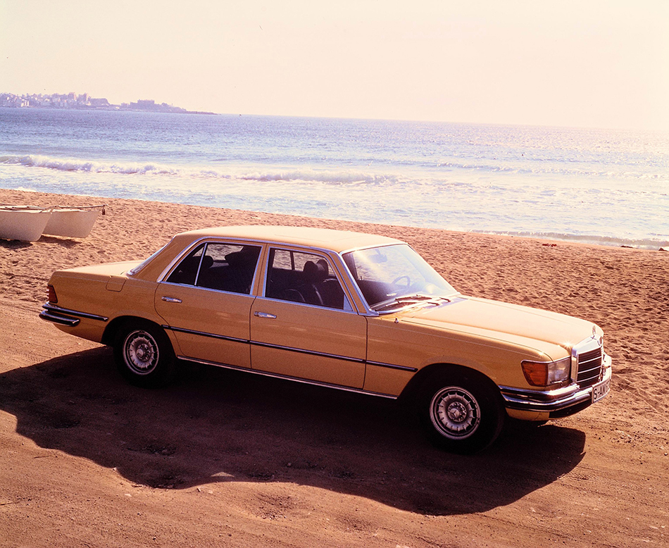 1975 Mercedes-Benz 450 SEL 6.9 Front Angle