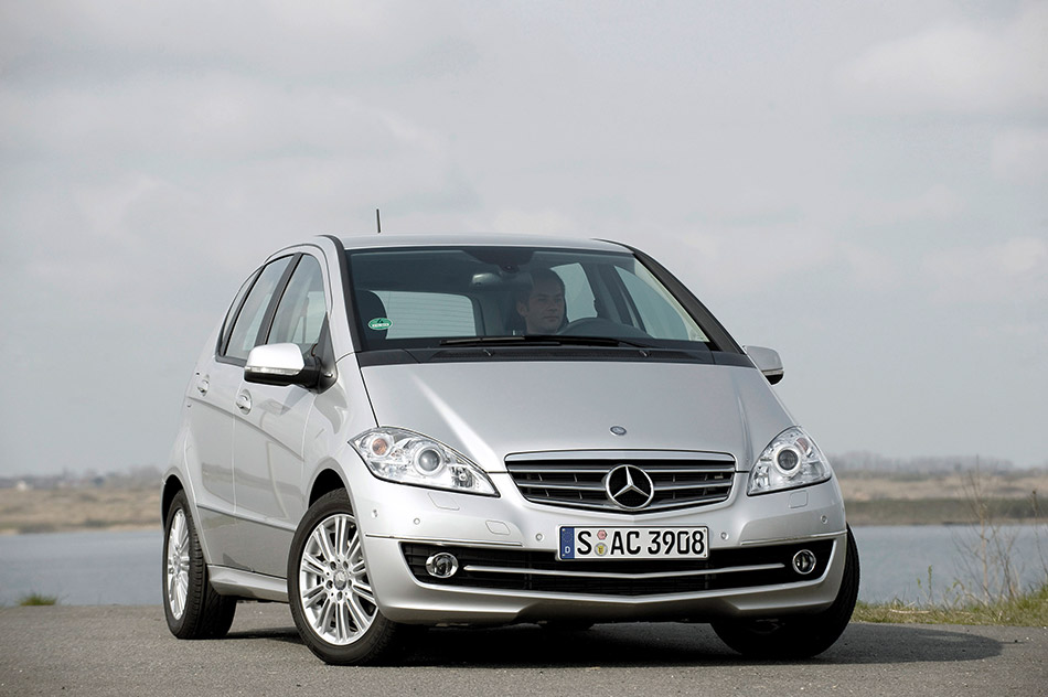 2009 Mercedes-Benz A-Class Front Angle