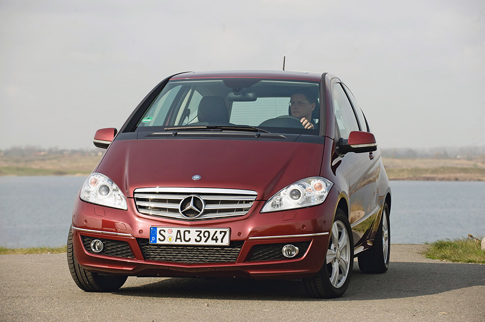 2009 Mercedes-Benz A-Class Coupe Front Angle