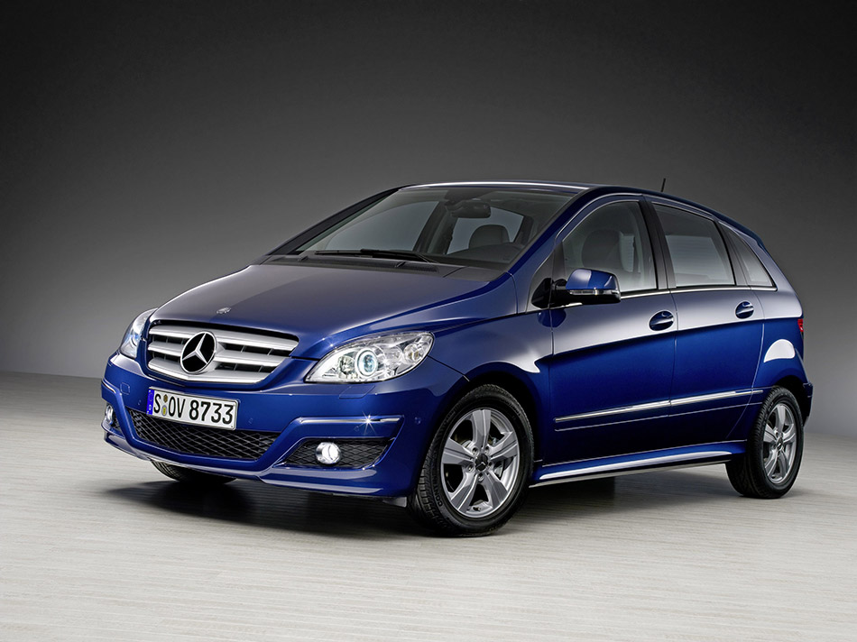 2009 Mercedes-Benz B-Class Front Angle