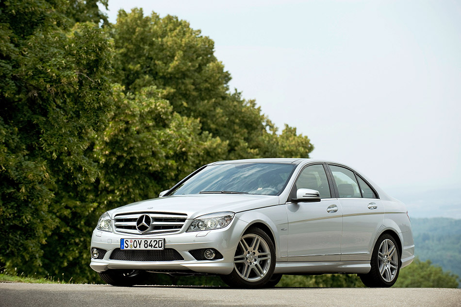 2008 Mercedes-Benz C250 CDI BlueEFFICIENCY Prime Edition Front Angle