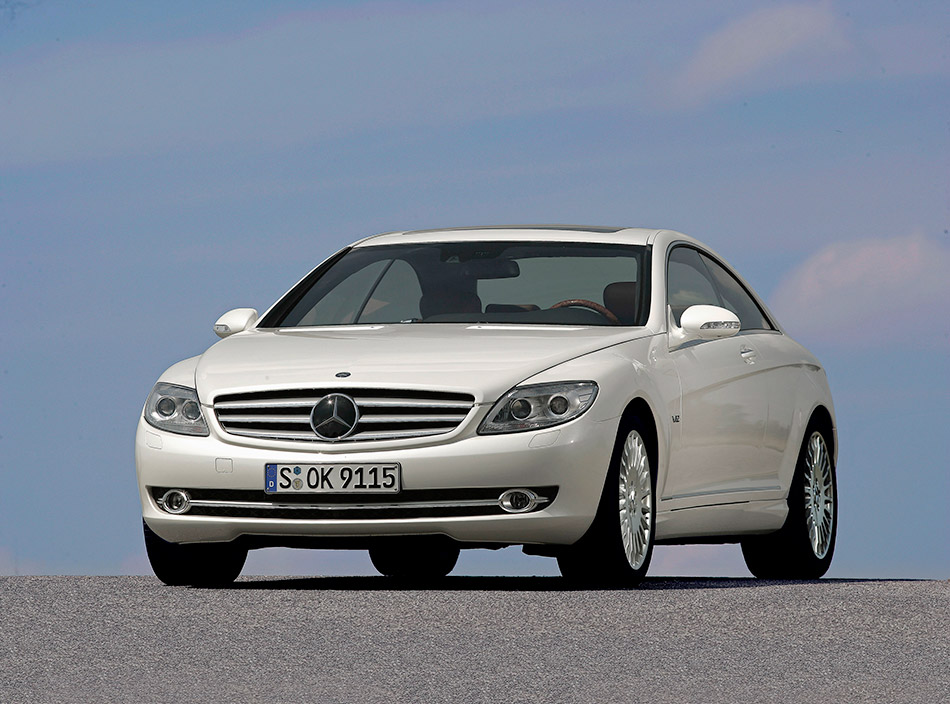 2007 Mercedes-Benz CL 600 Front Angle
