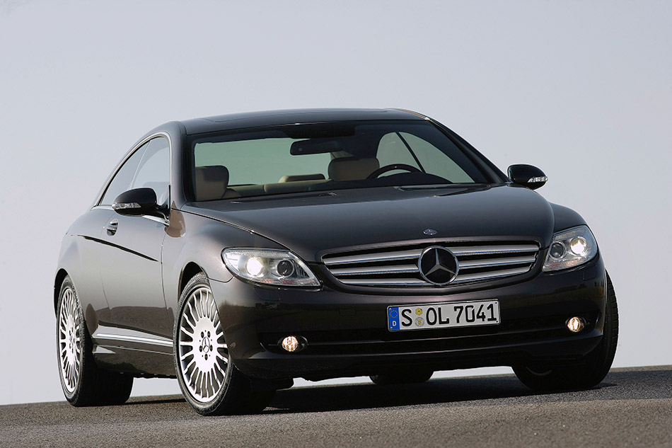 2007 Mercedes-Benz CL500 Front Angle