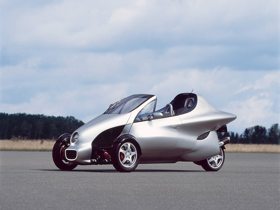 1997 Mercedes-Benz F 300 Concept Front Angle