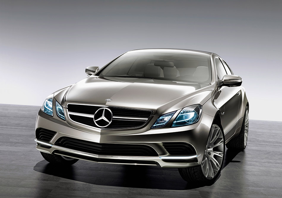 2008 Mercedes-Benz Fascination Concept Front Angle