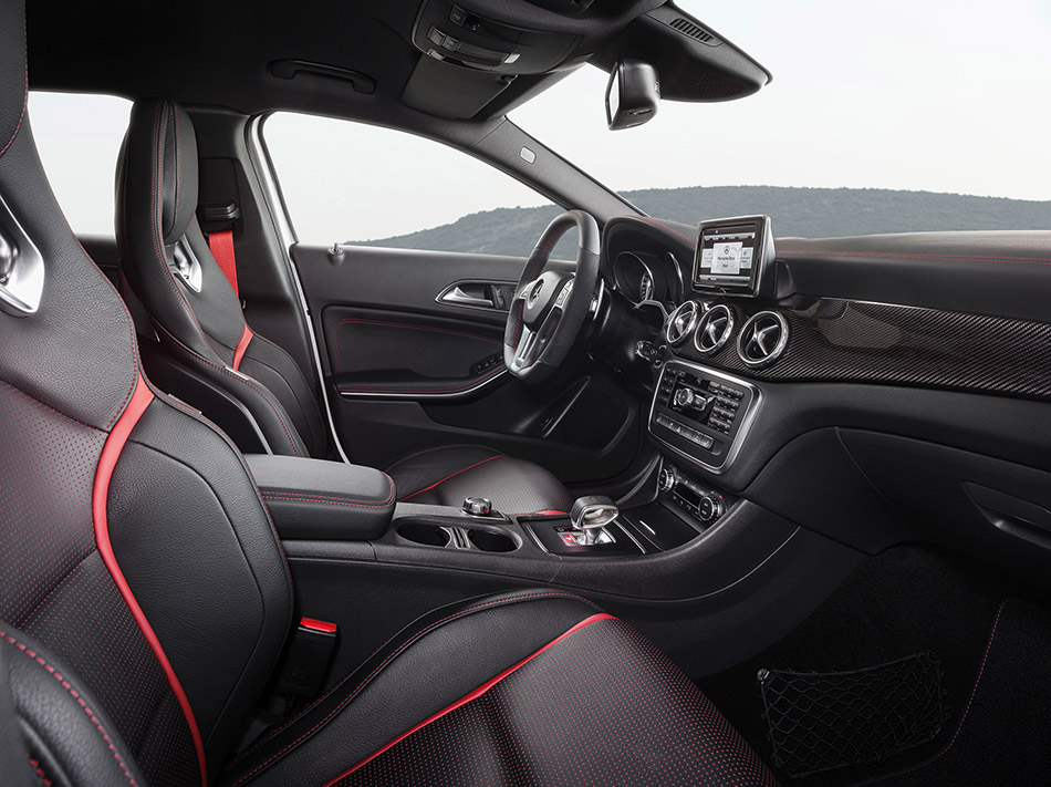 2014 Mercedes-Benz GLA45 AMG Interior