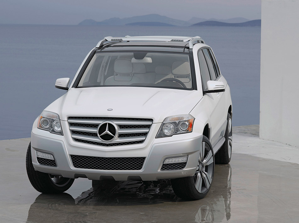 2008 Mercedes-Benz GLK Freeside Concept Frotn Angle