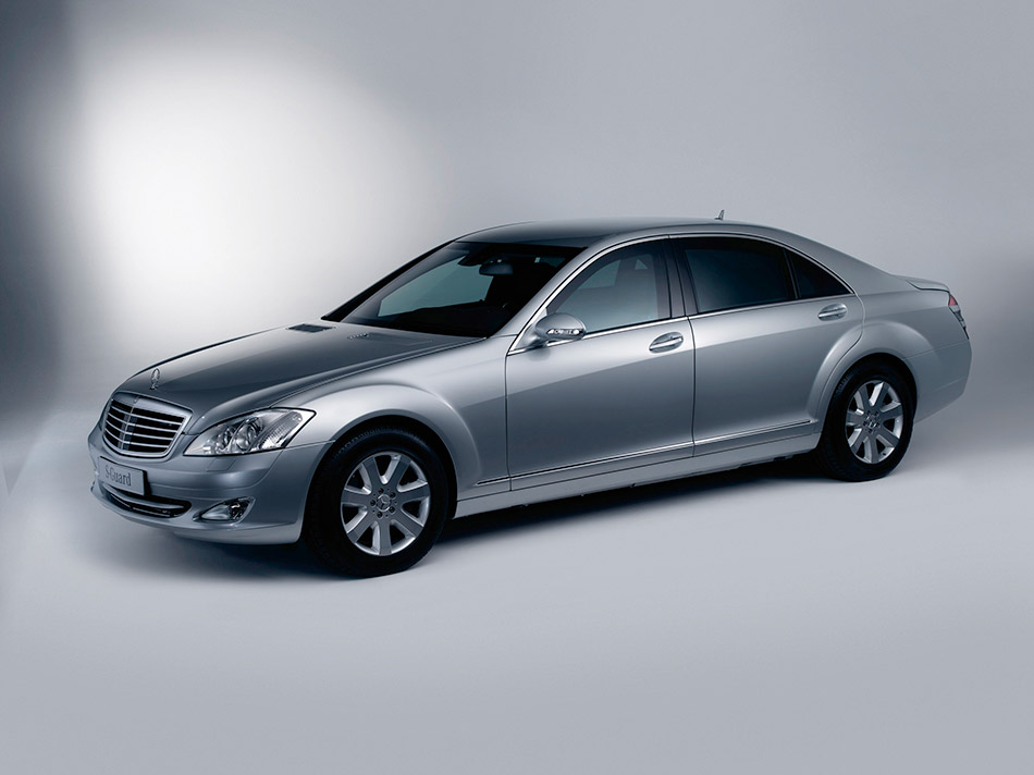 2007 Mercedes-Benz S 600 Guard Front Angle