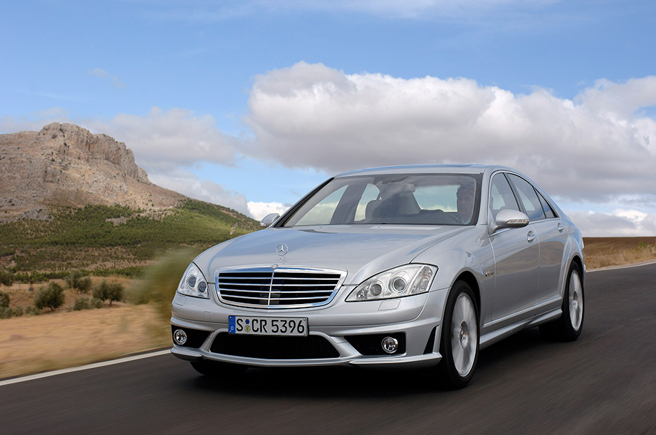2007 Mercedes-Benz S 63 AMG Front Angle