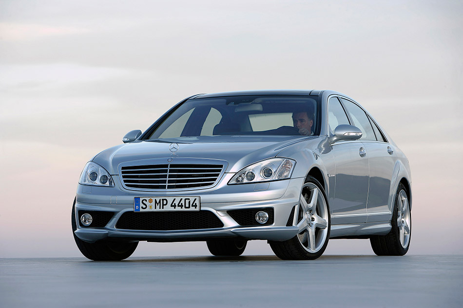 2007 Mercedes-Benz S65 AMG Front Angle