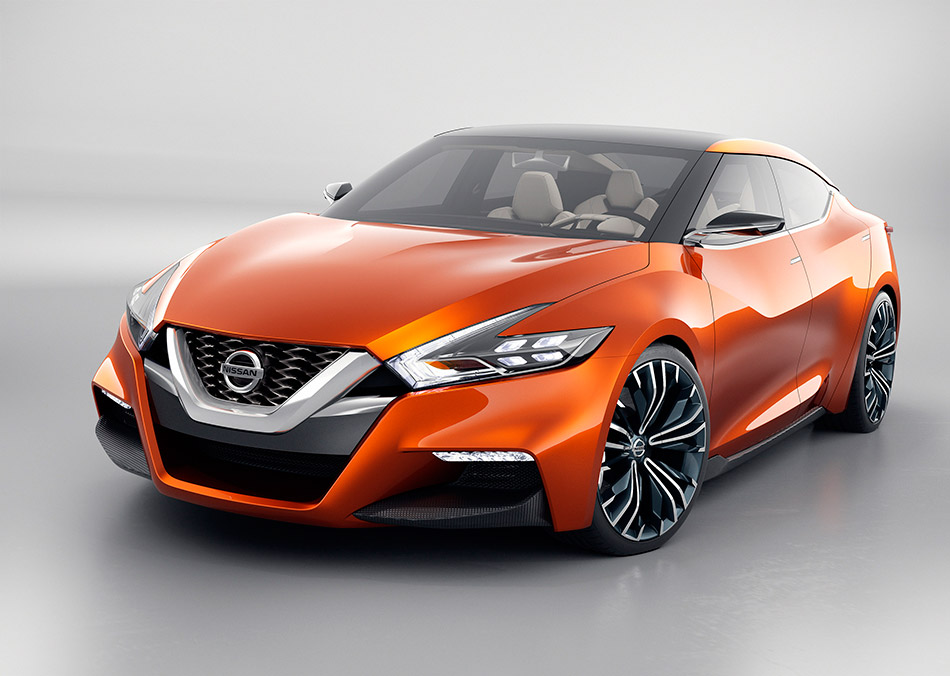 2015 Nissan Sport Sedan Concept Front Angle