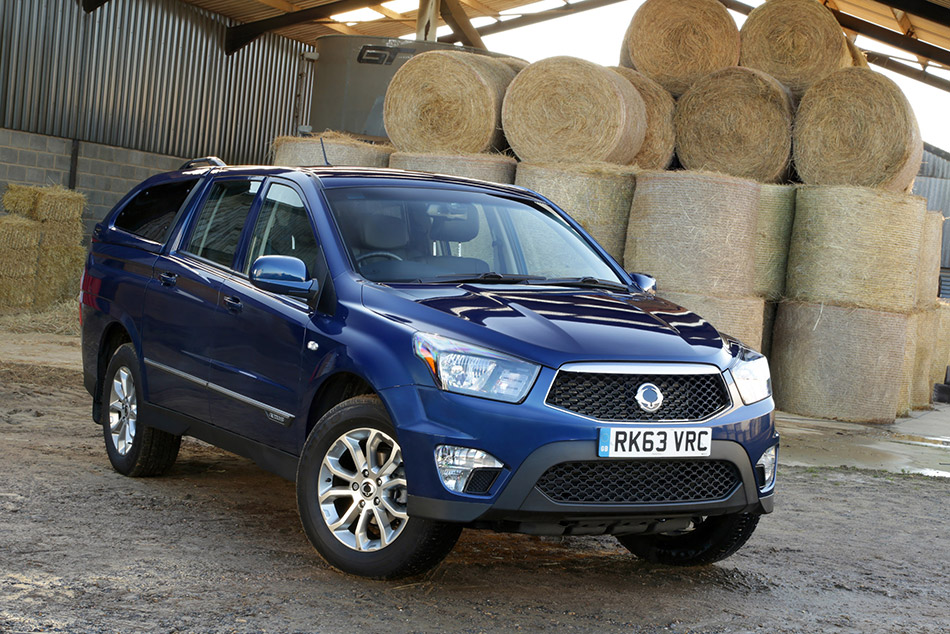 2014 SsangYong Korando Sports Pick-Up Front Angle