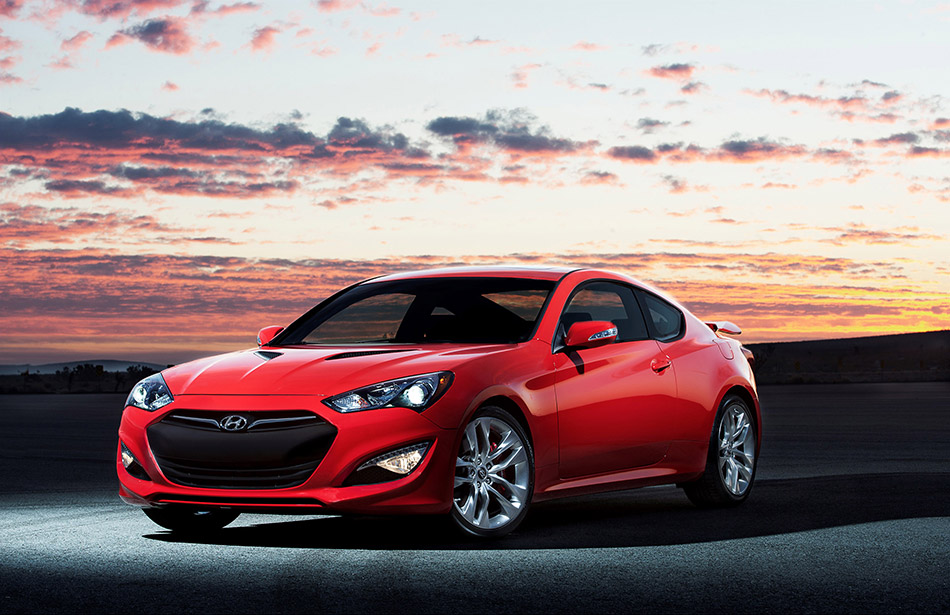 2014 Hyundai Genesis Coupe Front Angle