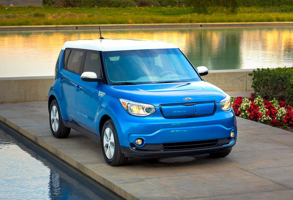 2015 Kia Soul EV Front Angle