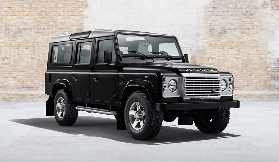 2015 Land Rover Defender XS Black Pack Front Angle